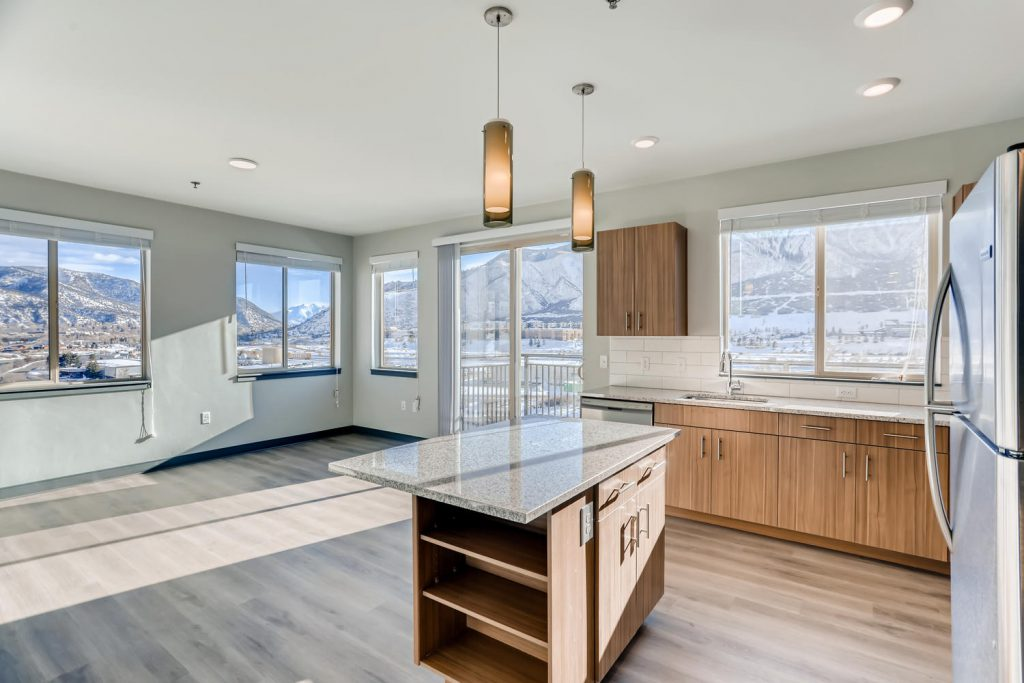 Open floor plan showing granite counter tops - Glenwood Springs